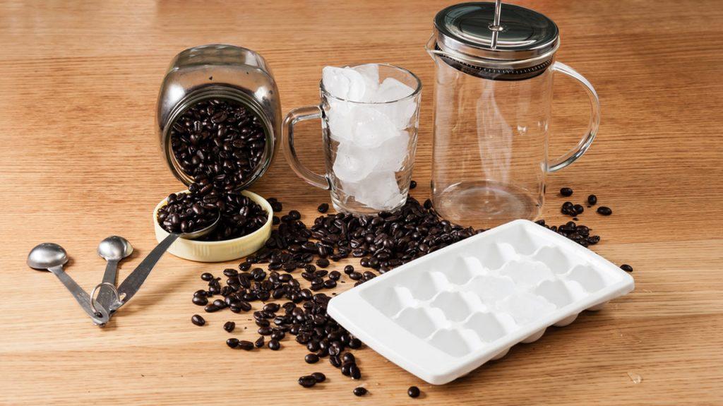 soğuk kahve yapımı, soğuk kahveler, french press